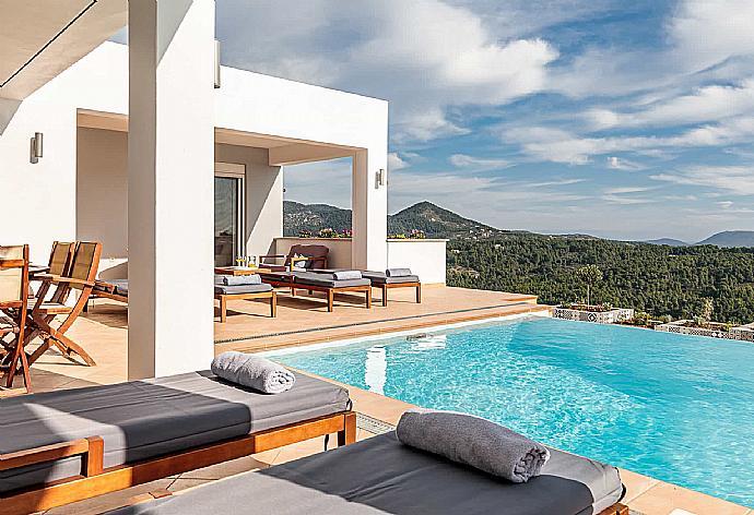 Villa Porfyra